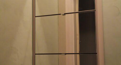 202号室はDIY応援部屋です! 玄関は漆喰を塗りました!